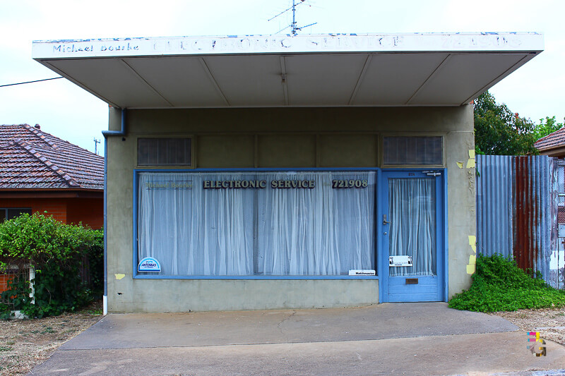 Those Little Shop Fronts - Electronic Service Castlemaine Photo